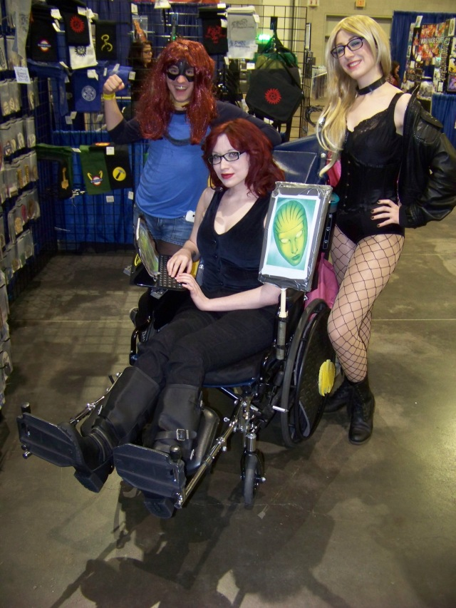 The Birds of Prey! Oracle made this group cosplay.